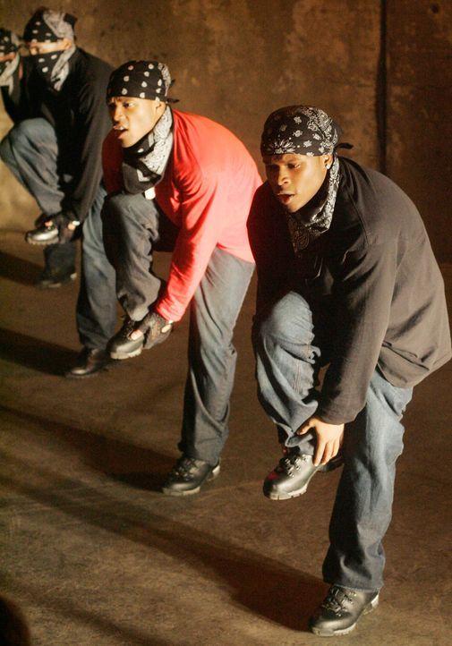 Die Tanzcrew um Bishop (Dwain Murphy, l.) und E.C. (Kevin Duhaney, r.) versucht bei dem Step-Contest die 50.000 Dollar Preisgeld abzuräumen. Geling... - Bildquelle: Paramount Pictures