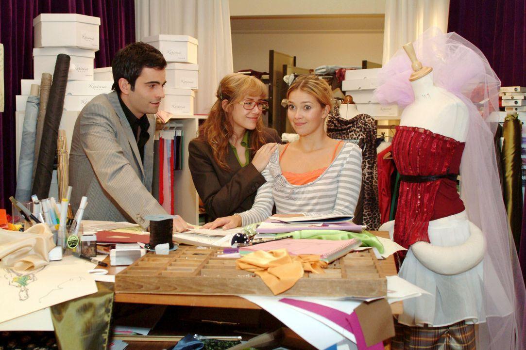 Lisa (Alexandra Neldel, M.) und David (Mathis Künzler, l.) gelingt es, Hannah (Laura Osswald, r.) davon zu überzeugen, dass sie es schaffen wird, Hu... - Bildquelle: Noreen Flynn SAT.1 / Noreen Flynn