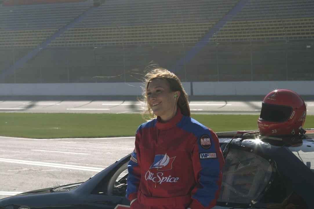 Daytona (Schuyler Fisk) ist ebenfalls Rennfahrerin und hinterlässt einen starken Eindruck auf Nathan und Lucas ... - Bildquelle: Warner Bros. Pictures