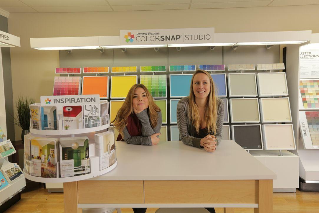 Die beiden Freundinnen Sarah (l.) und Megan (r.) kennen sich aus, wenn es um Deko geht, aber schaffen sie es auch ein ganzes Haus zu renovieren? - Bildquelle: 2016, DIY Network/Scripps Networks, LLC. All Rights Reserved.