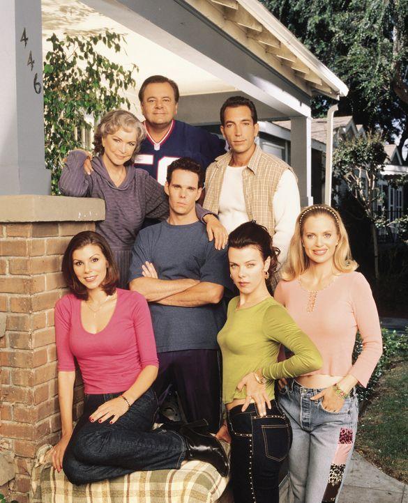 Die wichtigsten Personen in Lydias (Heather Paige Kent, vorne l.) Leben: Jackie (Debi Mazar, vorne M.), Candy (Kristin Bauer, vorne r.), Dolly (Elle... - Bildquelle: CBS Television