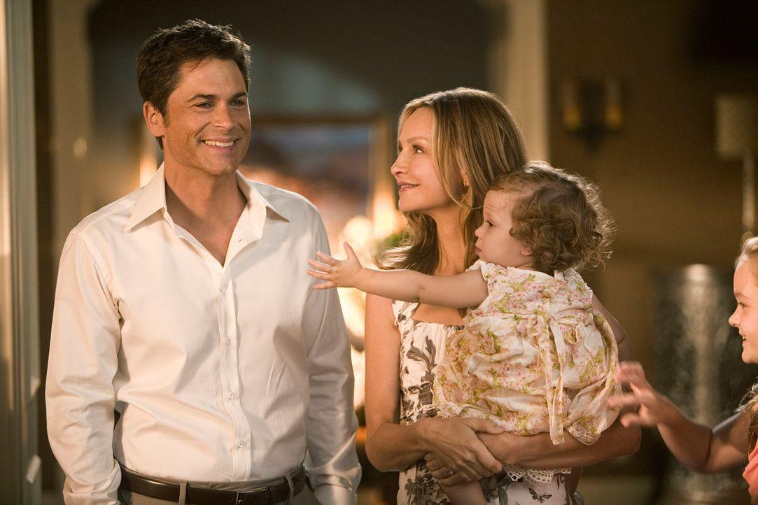 Sehnlichster Wunsch: Kitty (Calista Flockhart, 2.v.l.) und Robert (Rob Lowe, l.) halten an ihrem Traum, ein Kind zu adoptieren, immernoch fest ... - Bildquelle: 2008 ABC INC.