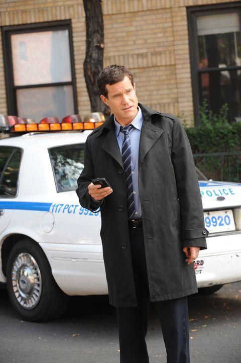 Bei den Ermittlungen in einem neuen Mordfall: Al (Dylan Walsh) ... - Bildquelle: 2011 CBS Broadcasting Inc. All Rights Reserved.