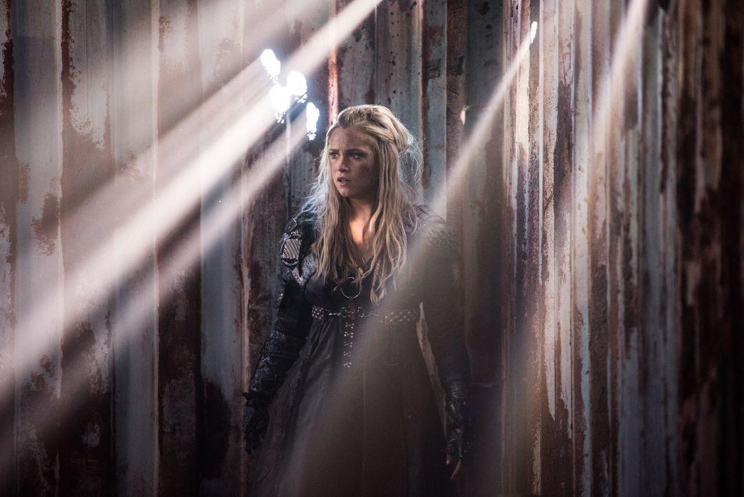 Können Clarke (Eliza Taylor) und ihre Verbündeten Luna noch rechtzeitig finden, bevor Alies Macht eine ganz neue Dimension erreicht? - Bildquelle: 2014 Warner Brothers