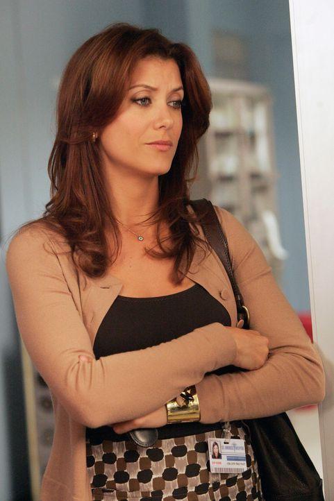 Addison (Kate Walsh) findet heraus, dass Naomi der Praxis ein schwer wiegendes Geheimnis vorenthalten hat ... - Bildquelle: ABC Studios