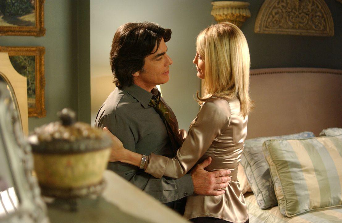 Wahre Liebe: Kirsten (Kelly Rowan, r.) und Sandy (Peter Gallagher, l.) ... - Bildquelle: Warner Bros. Television