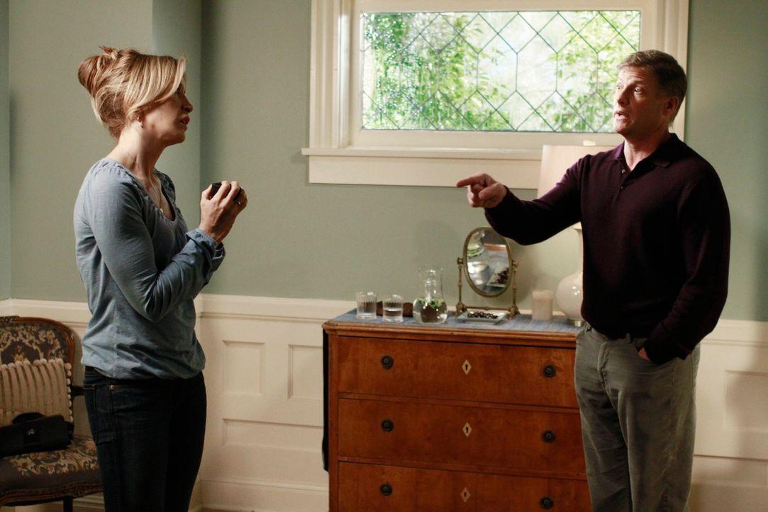 Lynette (Felicity Huffman, l.) und Tom (Doug Savant, r.) fahren für ein Wochenende weg, um an ihren Problemen zu arbeiten. Doch wird es den gewünsch... - Bildquelle: ABC Studios