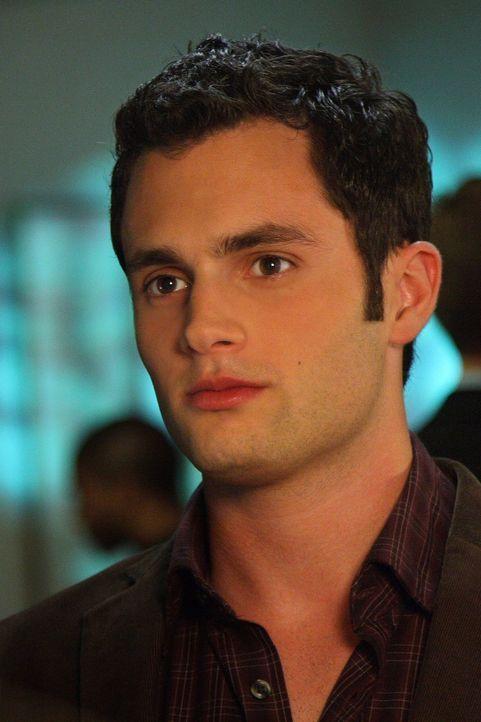 Dan (Penn Badgley) hat Sorgen, denn seine Mutter Allison ist wieder zurück in Manhattan und sein Vater Rufus und er sind davon garnicht angetan ... - Bildquelle: Warner Bros. Television