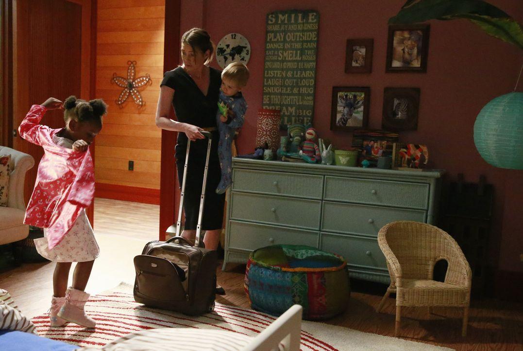 Nach dem Tod von Derek versucht Meredith (Ellen Pompeo, M.), mit der neuen Situation klar zu kommen. Doch kurzerhand verlässt sie mit ihren Kindern... - Bildquelle: ABC Studios