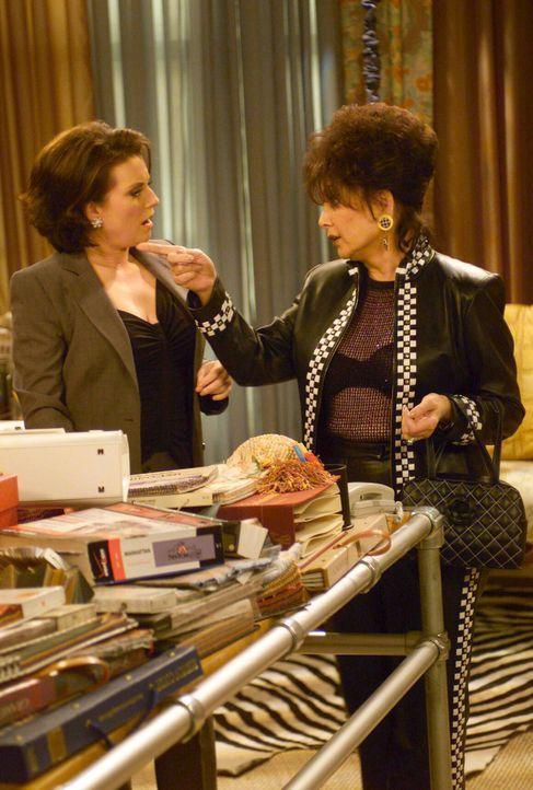 Während Will und Jack an einem Kochkurs teilnehmen, richtet Grace Karens Mutter Lois' (Suzanne Pleshette, r.) Wohnung ein. Mit wenig Geld und noch w... - Bildquelle: NBC Productions