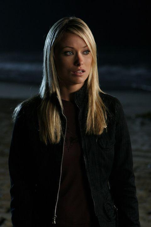 Alex (Olivia Wilde) ist nicht begeistert davon, dass Ryan gemeinsam mit Marissa eine Strandparty organisiert und droht Ryan, er solle sich von Maris... - Bildquelle: Warner Bros. Television