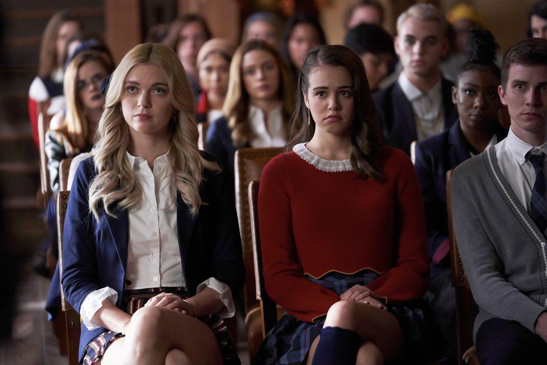 Lizzie Saltzman (Jenny Boyd, l.); Josie Saltzman (Kaylee Bryant, r.) - Bildquelle: Bob Mahoney 2018 The CW Network, LLC. All rights reserved. / Bob Mahoney