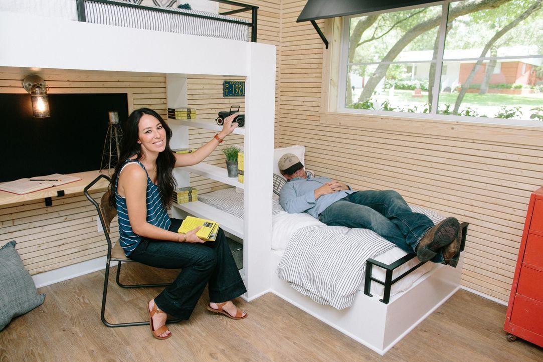 Die Morgans wünschen sich ein neues Heim im Farmhouse-Style mit ganz viel Platz und spektakulären Möglichkeiten für ihre beiden Mädchen. Wie werden... - Bildquelle: Rachel Whyte 2016, HGTV/Scripps Networks, LLC. All Rights Reserved.