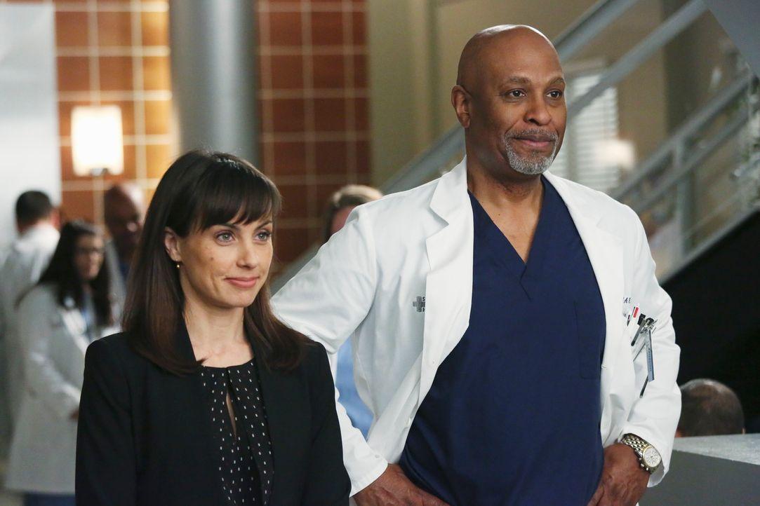 Als ehemaliger Klinikleiter, hängt das Herz von Dr. Richard Webber (James Pickens Jr., r.) besonders stark am Seattle Grace Hospital. Die Buchhalter... - Bildquelle: ABC Studios