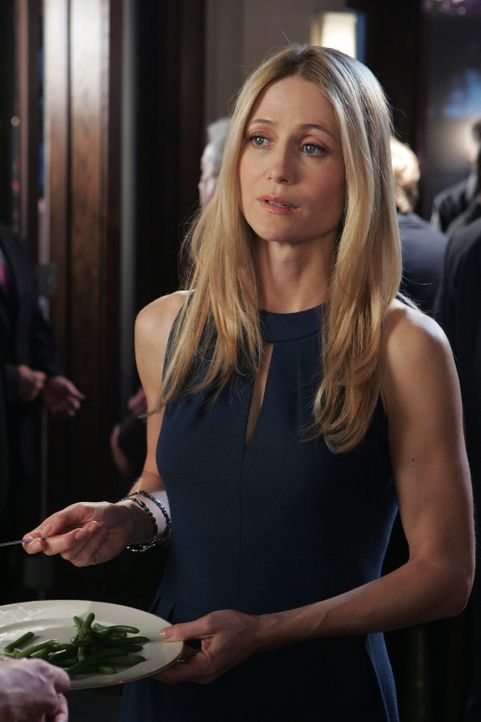 Kelly (Kirsten Rowan) beobachtet wie Kaitlin und Julie aneinander geraten ... - Bildquelle: Warner Bros. Television