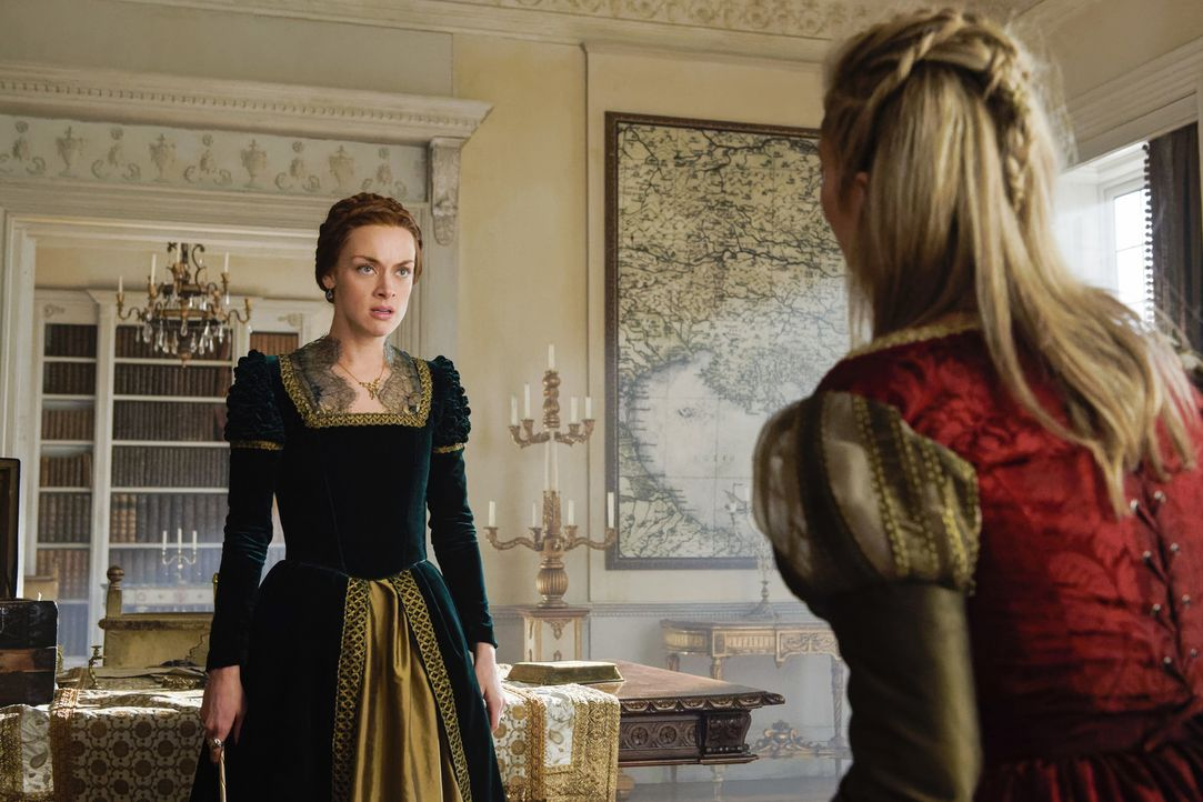 Elizabeth (Rachel Skarsten) glaubt die Mörderin ihres Geliebten gefunden zu haben ... - Bildquelle: Ben Mark Holzberg Ben Mark Holzberg/The CW -   2017 The CW Network, LLC. All Rights Reserved.
