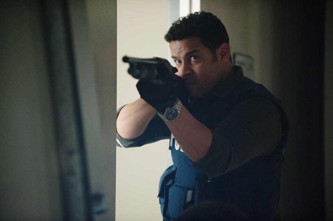Hat keine Vorstellung davon, mit wem er sich angelegt hat: Esposito (Jon Huertas) ... - Bildquelle: Colleen Hayes ABC Studios / Colleen Hayes
