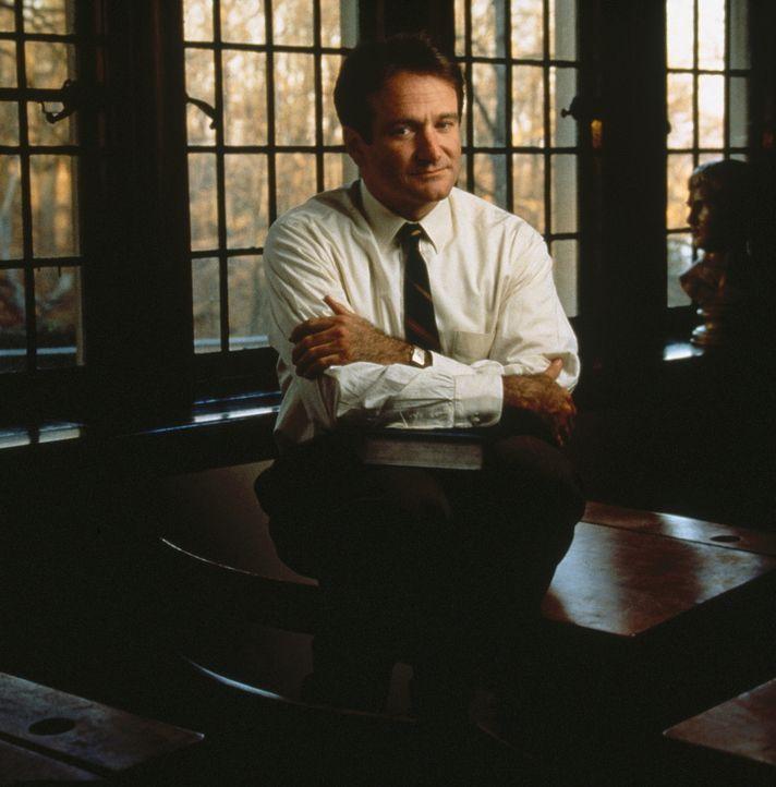 Für seine Überzeugungen zahlt er einen hohen Preis: John Keating (Robin Williams) aber glaubt an seine Jungs! - Bildquelle: Touchstone Pictures