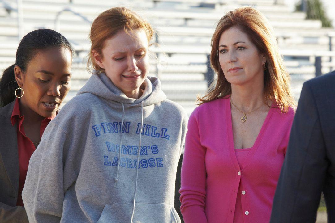 Bei den Ermittlungen stoßen Samantha (Sonja Sohn, l.) und Megan (Dana Delany, r.) auf Heather Clayton (Meg Chambers Steedle, M.), doch hat sie etwas... - Bildquelle: ABC Studios