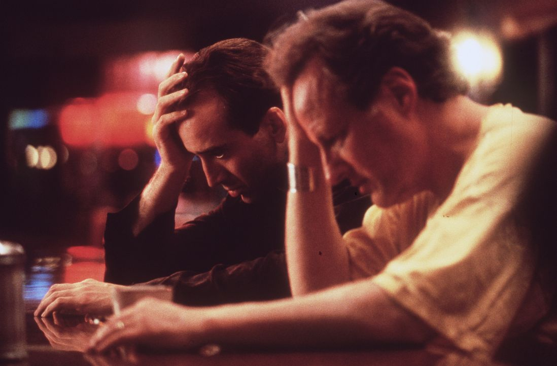 Um ein wahrer Mensch werden zu können, soll der überirdische Seth (Nicolas Cage, l.) einen hohen Preis bezahlen ... - Bildquelle: Warner Bros.