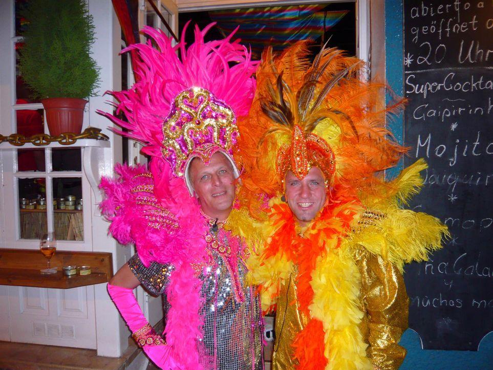 Lothar Vroegen (40) lebt seit zwei Jahren auf Teneriffa. Da die Geschäfte schlecht laufen, will Lothar die Insel jetzt mit Williamsbirnen in Dosen... - Bildquelle: kabel eins