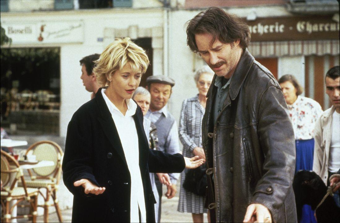 Luc (Kevin Kline, r.) versucht, Kate (Meg Ryan, l.) über die Untreue ihres Verlobten hinweg zu trösten ... - Bildquelle: 1995 ORION PICTURES CORPORATION. All Rights Reserved