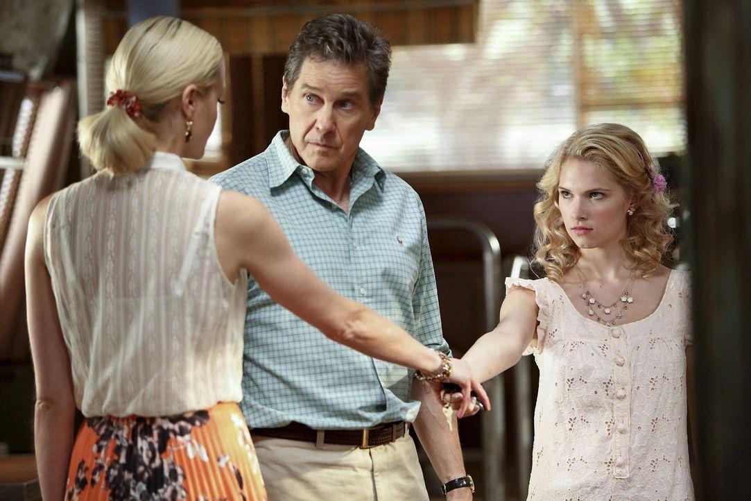 Brick (Tim Matheson, M.) und Magnolia (Claudia Lee, r.) müssen schnell feststellen, dass Hausarbeit doch gar nicht so leicht ist. Mit einem Plan ver... - Bildquelle: Warner Bros.