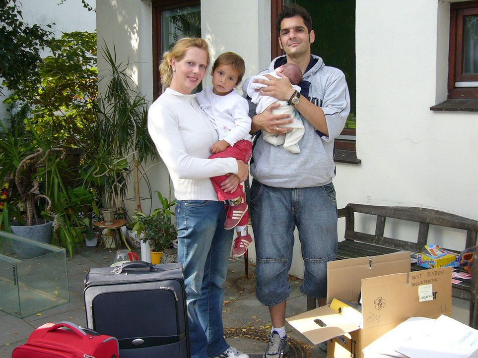Amir Abbas (37) und seine Frau Edith (32) aus Oldenburg haben gerade ihr zweites Kind bekommen - der perfekte Zeitpunkt, um nach Australien auszuwan... - Bildquelle: kabel eins