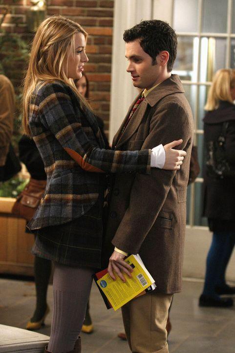 Dan (Penn Badgley, r.) ist enttäuscht, dass er und Serena (Blake Lively, l.) nicht gemeinsam studieren werden. Doch ihr eigentliches Problem ist, da... - Bildquelle: Warner Brothers
