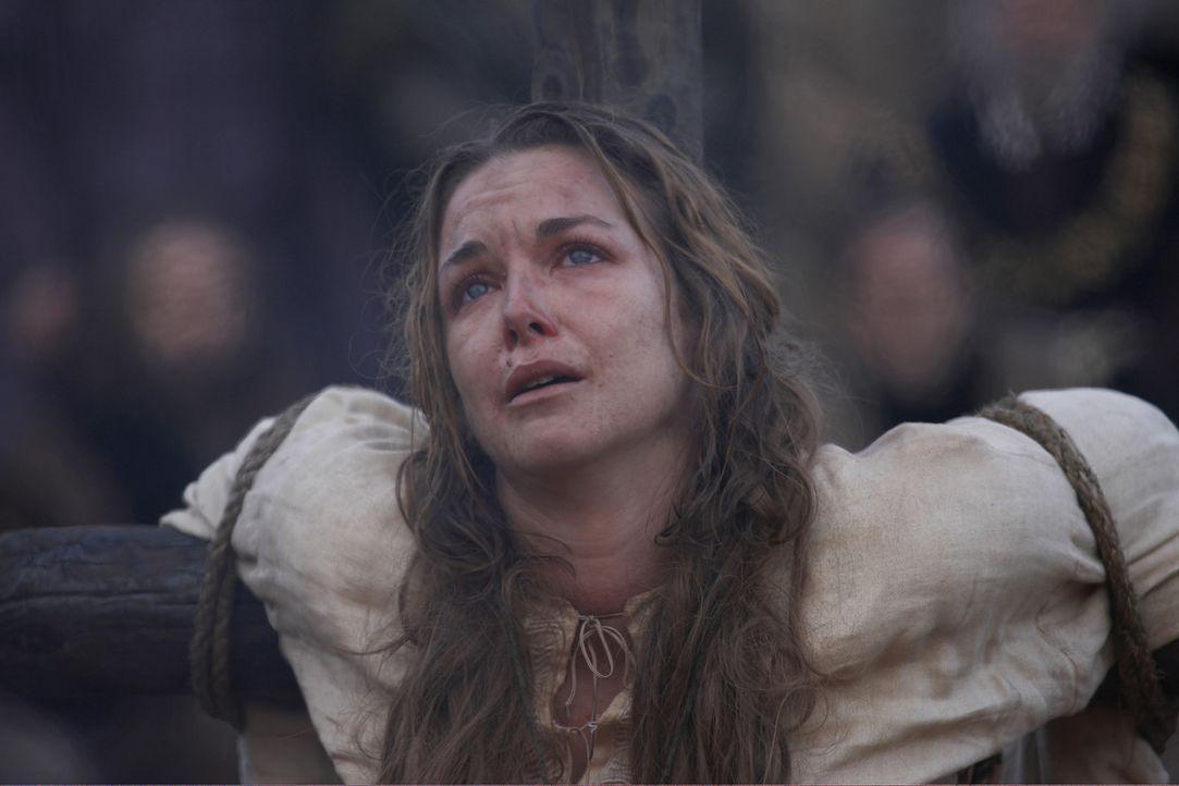 Während Anne Askew (Emma Stansfield) von Risley und Rich gefoltert wird, hält Henry eine leidenschaftliche Rede vor dem Parlament um die religiös... - Bildquelle: 2010 TM Productions Limited/PA Tudors Inc. An Ireland-Canada Co-Production. All Rights Reserved.
