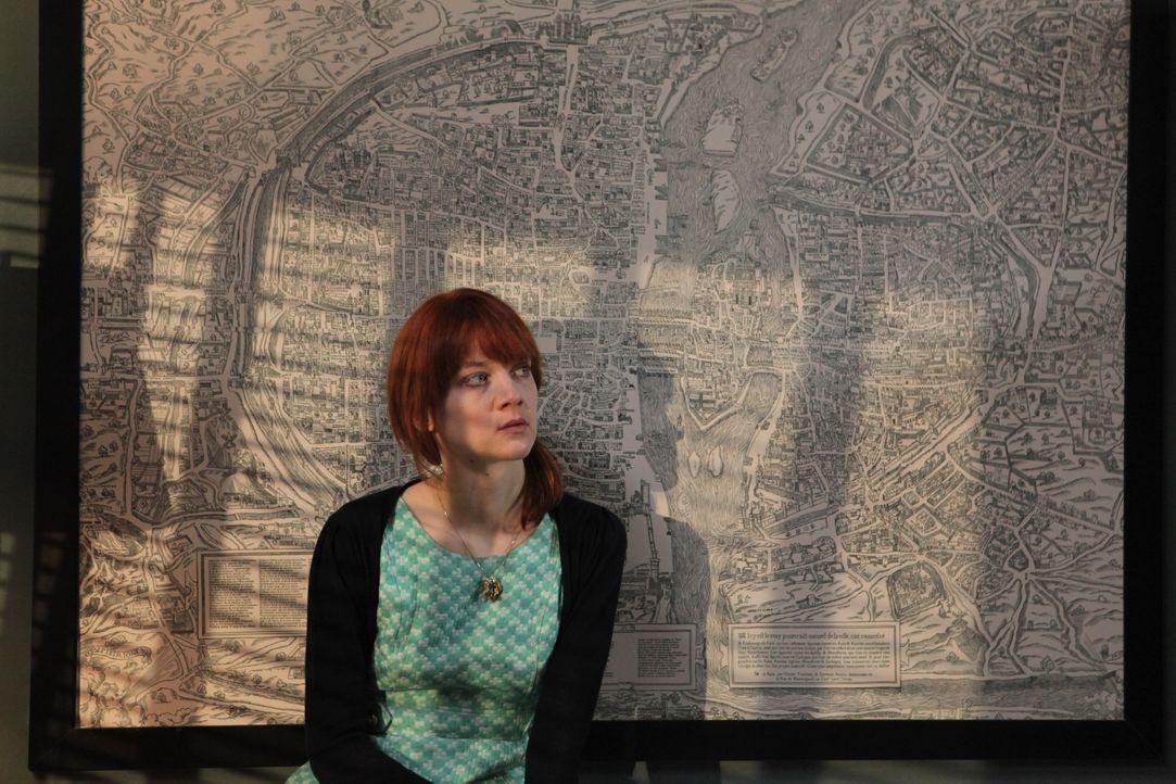 Dieser Fall zeigt Chloé (Odile Vuillemin) deutlich, dass sie ihren Mentor Lamarck eigentlich gar nicht wirklich kennt ... - Bildquelle: Xavier Cantat 2011 BEAUBOURG AUDIOVISUEL / Xavier Cantat