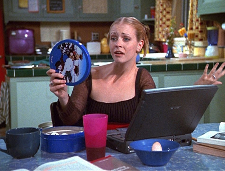 Sabrina (Melissa Joan Hart) ist infolge eines Dating-Zaubers total von der Rolle und braucht mal wieder die Hilfe ihrer Tanten. - Bildquelle: Paramount Pictures