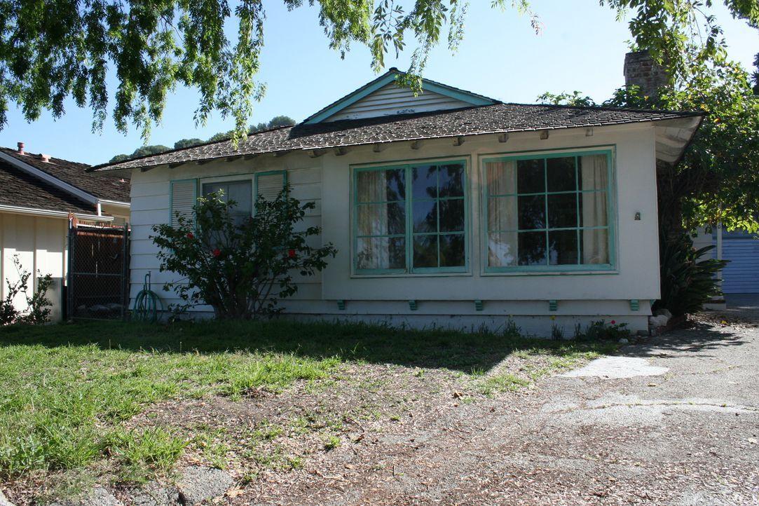 Heute kümmert sich das Makler-Ehepaar El Moussa um ein heruntergekommenes Haus in Rancho Palos Verdes in Kalifornien. Ein Haus in dieser Lage könnte... - Bildquelle: 2016,HGTV/Scripps Networks, LLC. All Rights Reserved