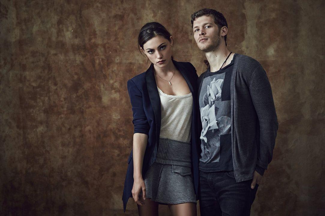 (1. Staffel)  - Die Beziehung zwischen Hayley (Phoebe Tonkin, l.) und Klaus (Joseph Morgan, r.) ist nicht einfach. Trotzdem beschützt Klaus Hayley g... - Bildquelle: Warner Bros. Television