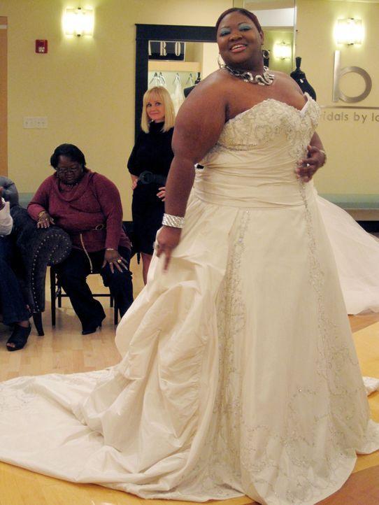 E'terica ist stolz auf ihre üppigen Kurven und will sie in ihrem Brautkleid so richtig zur Geltung bringen. - Bildquelle: TLC & Discovery Communications