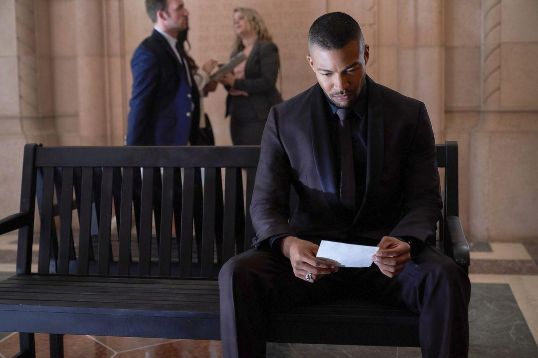 Die Liebe zwischen Marcel (Charles Michael Davis) und Rebekah wird durch eine neue Mikaelson-Schererei erneut auf eine harte Probe gestellt ... - Bildquelle: Warner Bros.