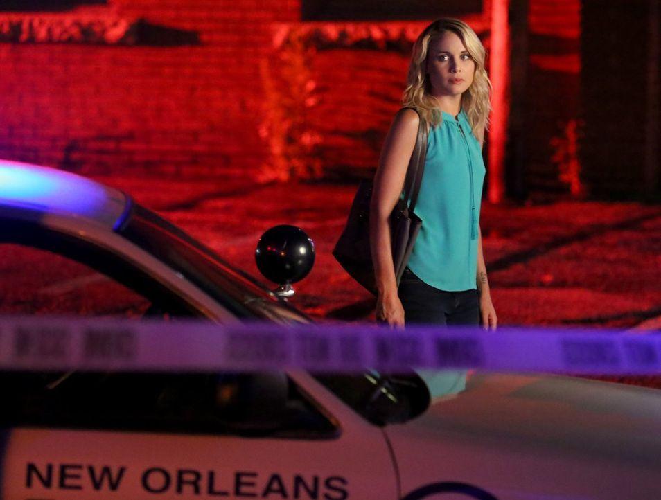 Cami (Leah Pipes) kommt dem Serienkiller immer näher auf die Spur. Wird Klaus ihr helfen, sodass das zweite Opfer, das letzte bleibt? - Bildquelle: Warner Bros. Entertainment Inc.
