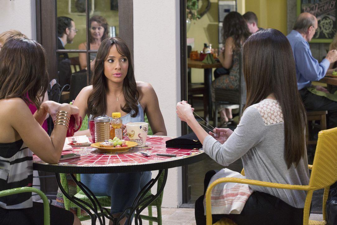 Haben mit ganz unterschiedlichen Problemen zu kämpfen: Rosie (Dania Ramirez, M.), Carmen (Roselyn Sanchez, r.) und Marisol (Ana Ortiz, l.) ... - Bildquelle: 2014 ABC Studios