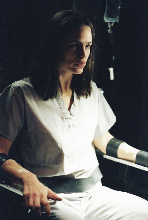 Endlich erfährt Sydney (Jennifer Garner), die erschreckende Wahrheit über ihre verlorenen zwei Jahre ... - Bildquelle: Touchstone Television