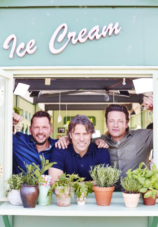 (v.l.n.r.) Jimmy Doherty; John Bishop; Jamie Oliver - Bildquelle: David Loftus 2016 Jamie Oliver Enterprises Limited/ David Loftus