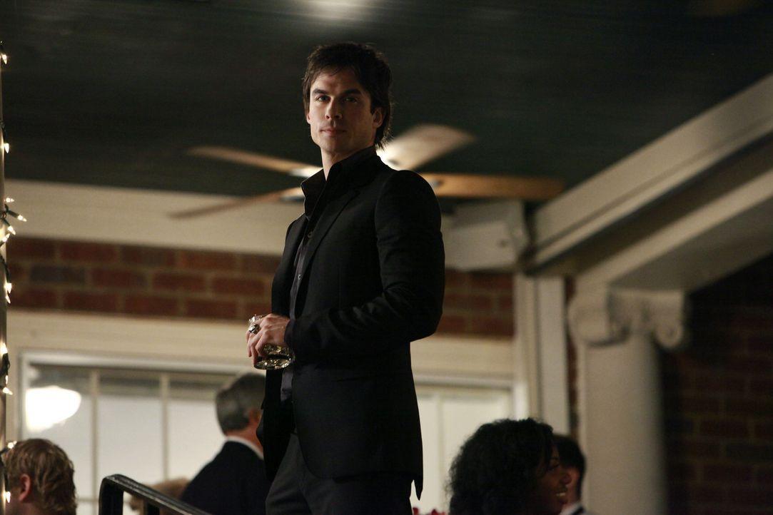 Damon vertraut nur sich selbst - Bildquelle: Warner Bros. Entertainment Inc.