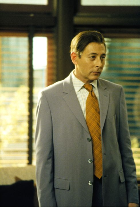 Louis Foy (Paul Reubens) ist sich sicher, dass seine Frau ihn nicht mehr liebt und verklagt den berühmten Sänger Sting ... - Bildquelle: 2001 Twentieth Century Fox Film Corporation. All rights reserved.