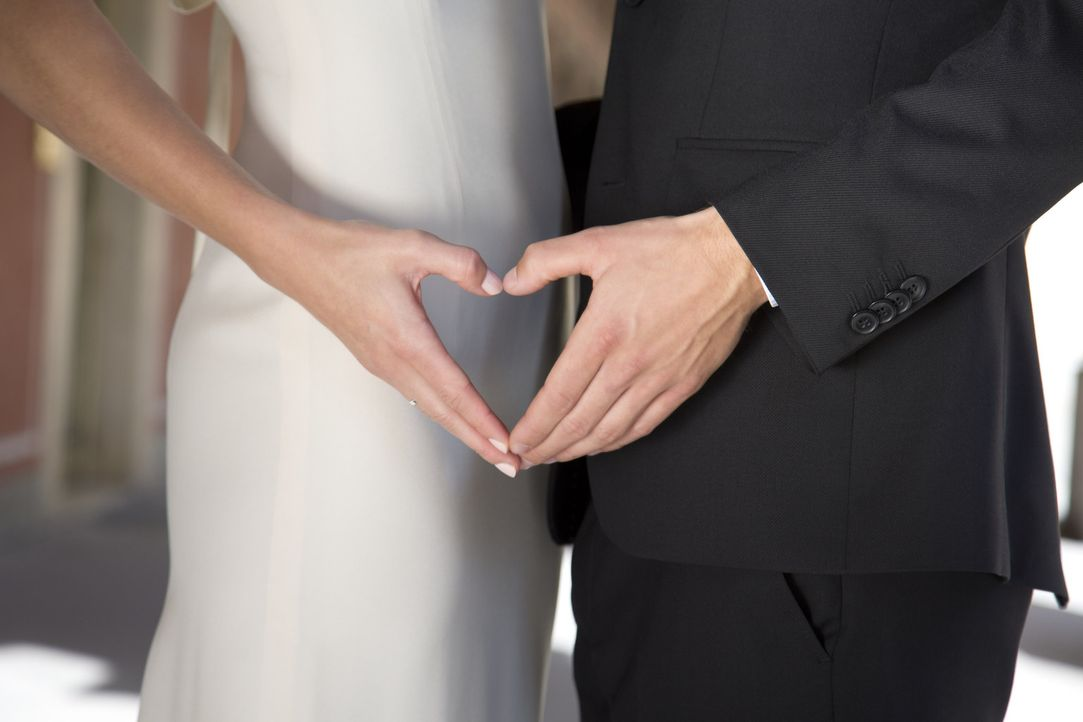 Acht Singles legen ihre Partnersuche in fremde Hände und vertrauen auf ein wissenschaftliches Matching ... - Bildquelle: Benedikt Müller SAT.1