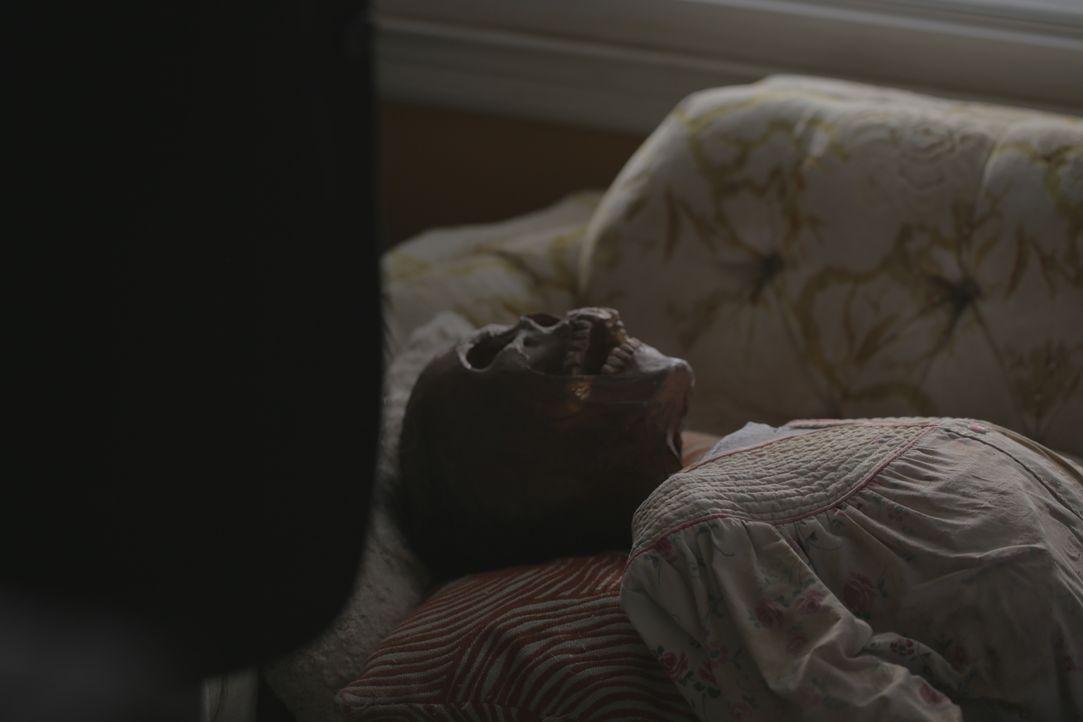 Das Verschwinden der 80-jährigen Gretchen McCrae entwickelt sich zu einem der seltsamsten Fälle seiner Karriere: Als Lt. Joe Kenda in ihrem Haus die... - Bildquelle: Jupiter Entertainment