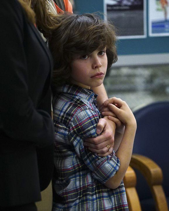 Hat seinen Freund versehentlich angeschossen: Peter (Zackary Arthur) ... - Bildquelle: Richard Cartwright ABC Studios