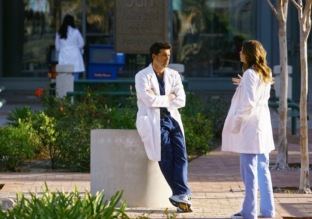 Da sich bei Izzie viele Metastasen gebildet haben, bekommt Meredith (Ellen Pompeo, r.) Angst, dass ihre Freundin die Hochzeit nicht mehr erleben wir... - Bildquelle: Touchstone Television