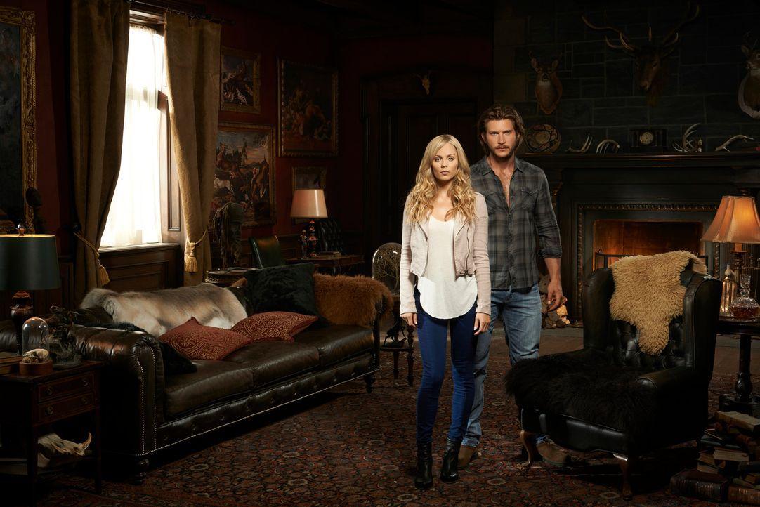(1. Staffel) - Als Elena Michaels (Laura Vandervoort, l.) nach einer Mordserie in ihre Heimat zurückkehrt, trifft sie auf ihren Exfreund Clayton Dan... - Bildquelle: 2014 She-Wolf Season 1 Productions Inc.