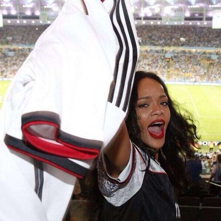 Rihanna: TOP 10 Twitter-Bilder zum WM-Sieg-2014 - Platz 4