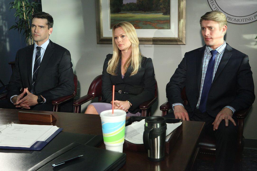 Kim (Kate Levering, M.) und Graysons (Jackson Hurst, l.) Klient Dan (Tyler Jacob Moore, r.) kämpft um das Besuchsrecht bei seinem Sohn. Das Problem... - Bildquelle: 2012 Sony Pictures Television Inc. All Rights Reserved.