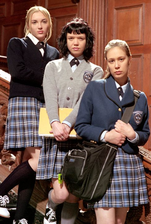 (1. Staffel) - In der neuen Schule, der Privatschule Chilton, trifft Rory auf ihre neuen Mitschülerinnen (v.l.n.r.) Louise (Teal Redmann), Madeline... - Bildquelle: 2000 Warner Bros.
